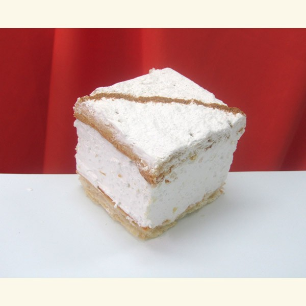 Pastel milhojas de merengue lustrado
